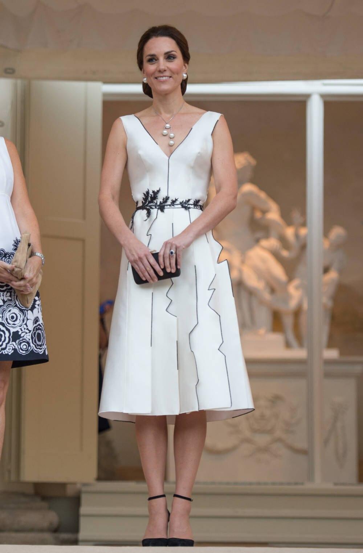Herzogin Kate in Polen mit Kleid von Gosia Baczyńska