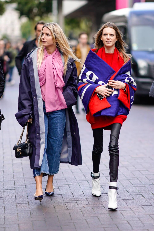 Balenciaga gekleidete Fashion Gäste