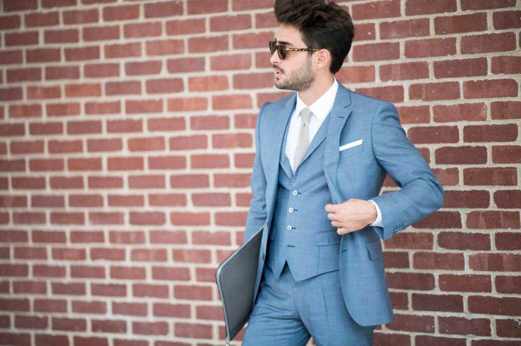 Mann mit Krawatte