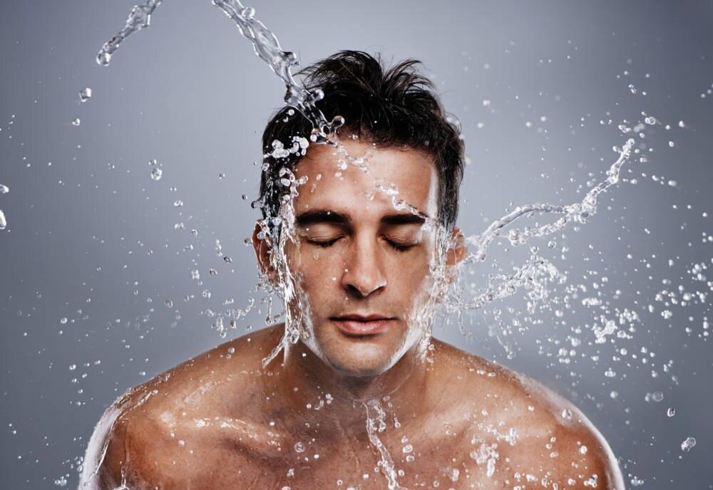 Gesichtsreinigung für Männer: Frisch und unwiderstehlich