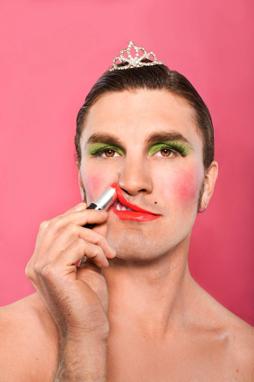 Mann mit Make-up