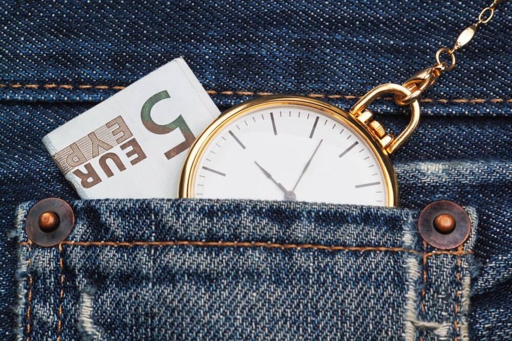 Jeans mit Taschenuhr