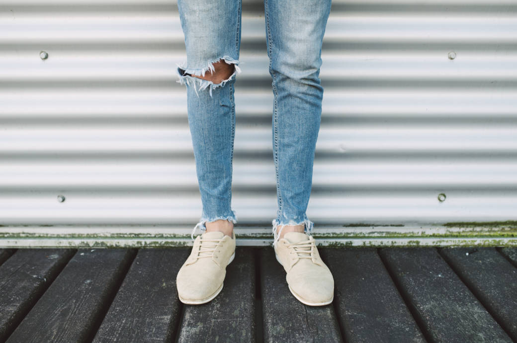Auch wenn zerrissene Jeans angesagt sind  Im Büro und an Ü20-Jährigen haben  sie nichts verloren! Foto  Getty Images fec5b5f336