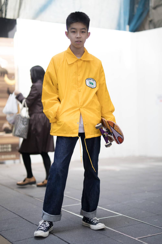 Jeans krempeln mann
