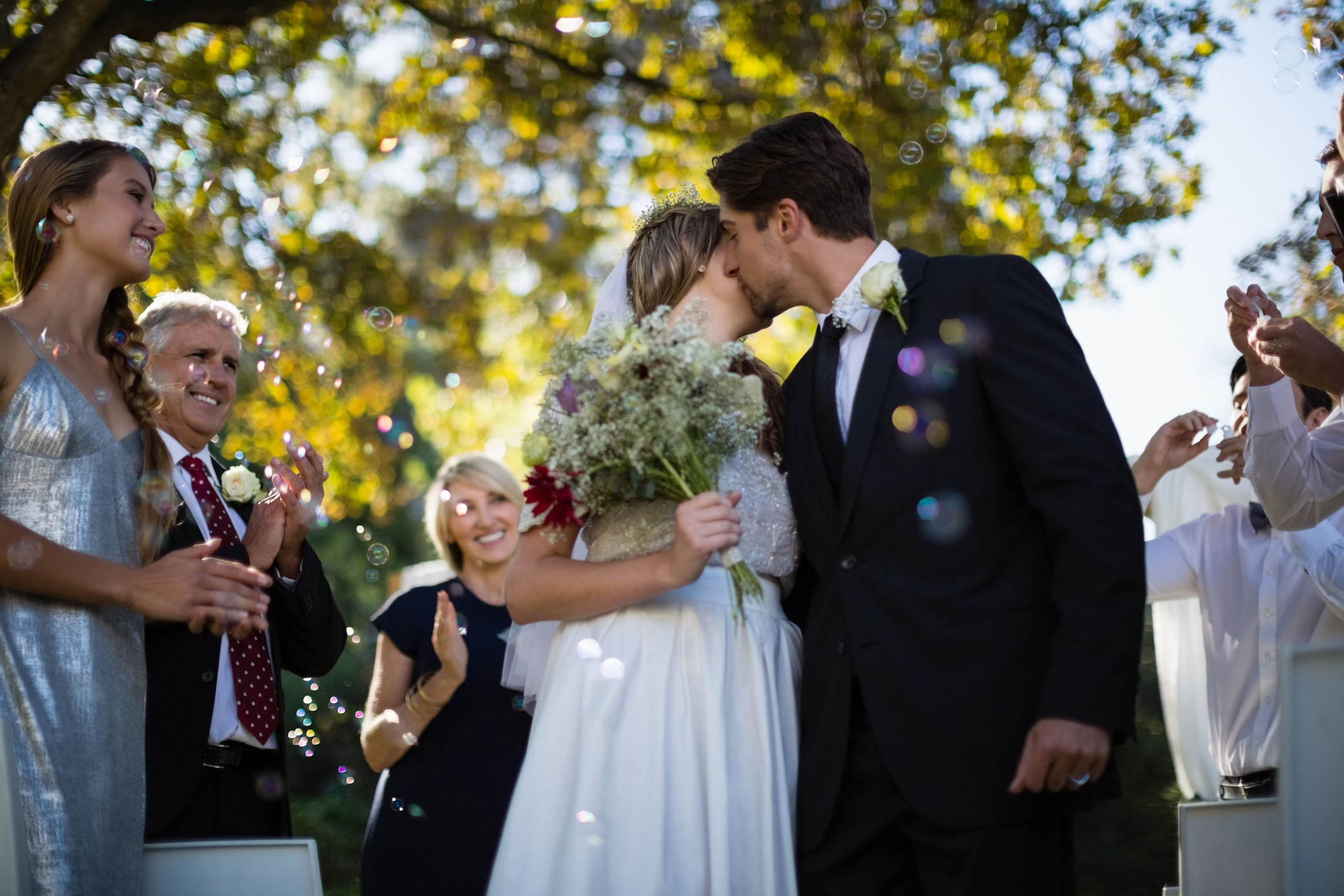 Darf ich auf einer Hochzeit Schwarz tragen? | STYLEBOOK
