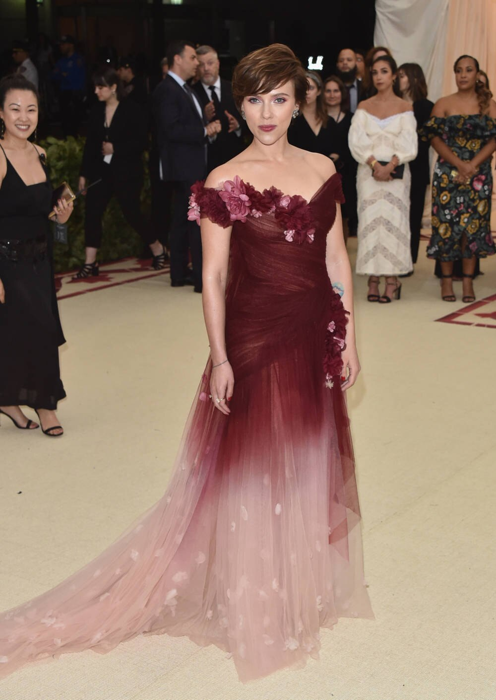 Met-Gala 16: Eklat um Scarlett Johanssons Marchesa-Kleid  STYLEBOOK