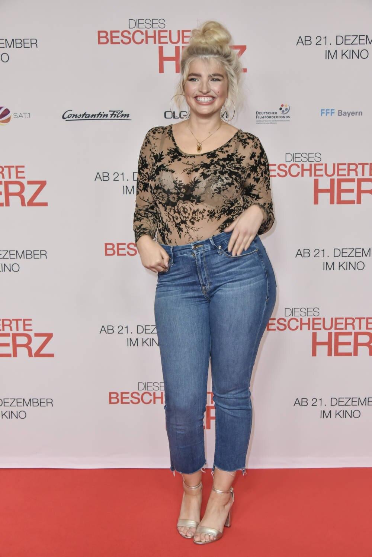 Model Sarina Nowak
