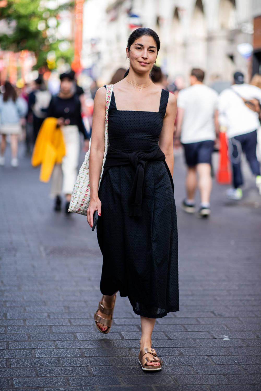 Schwitze ich im Sommer in Schwarz mehr? | STYLEBOOK