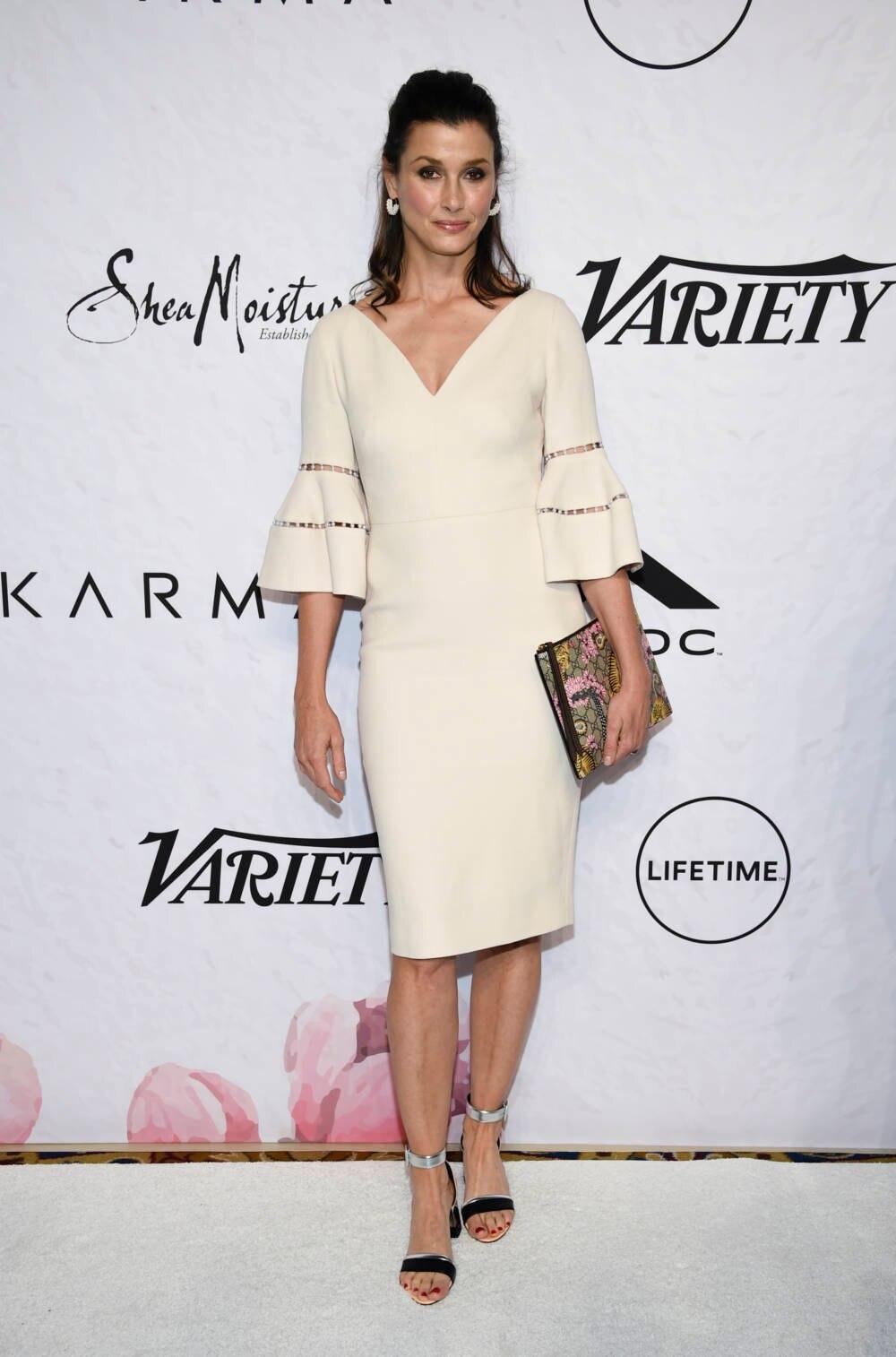 Bridget Moynahan in weißem Kleid