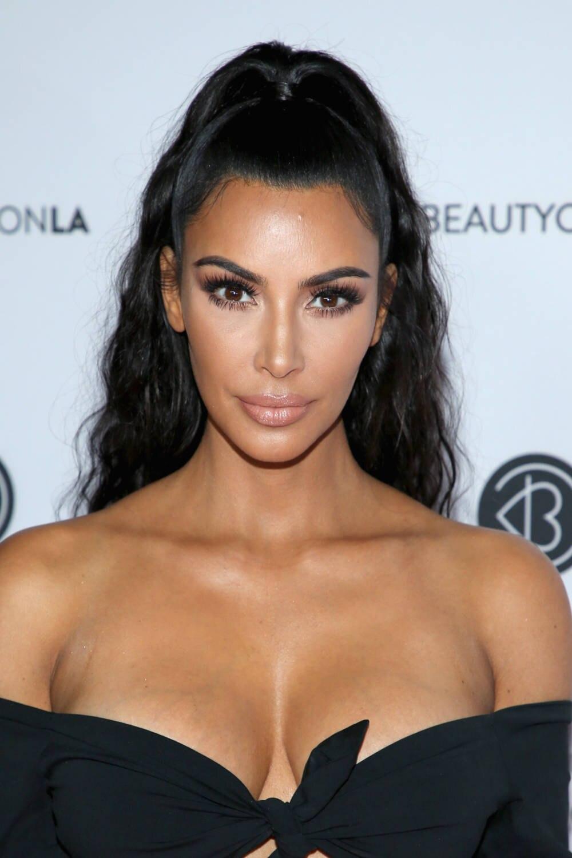 Kim Kardashian mit Beauty-Fail bei Beauty-Con