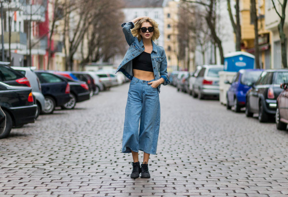 Weite Jeans: Street Style