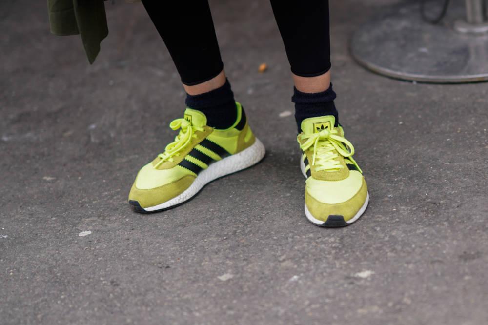 Neon-Sneaker von Adidas