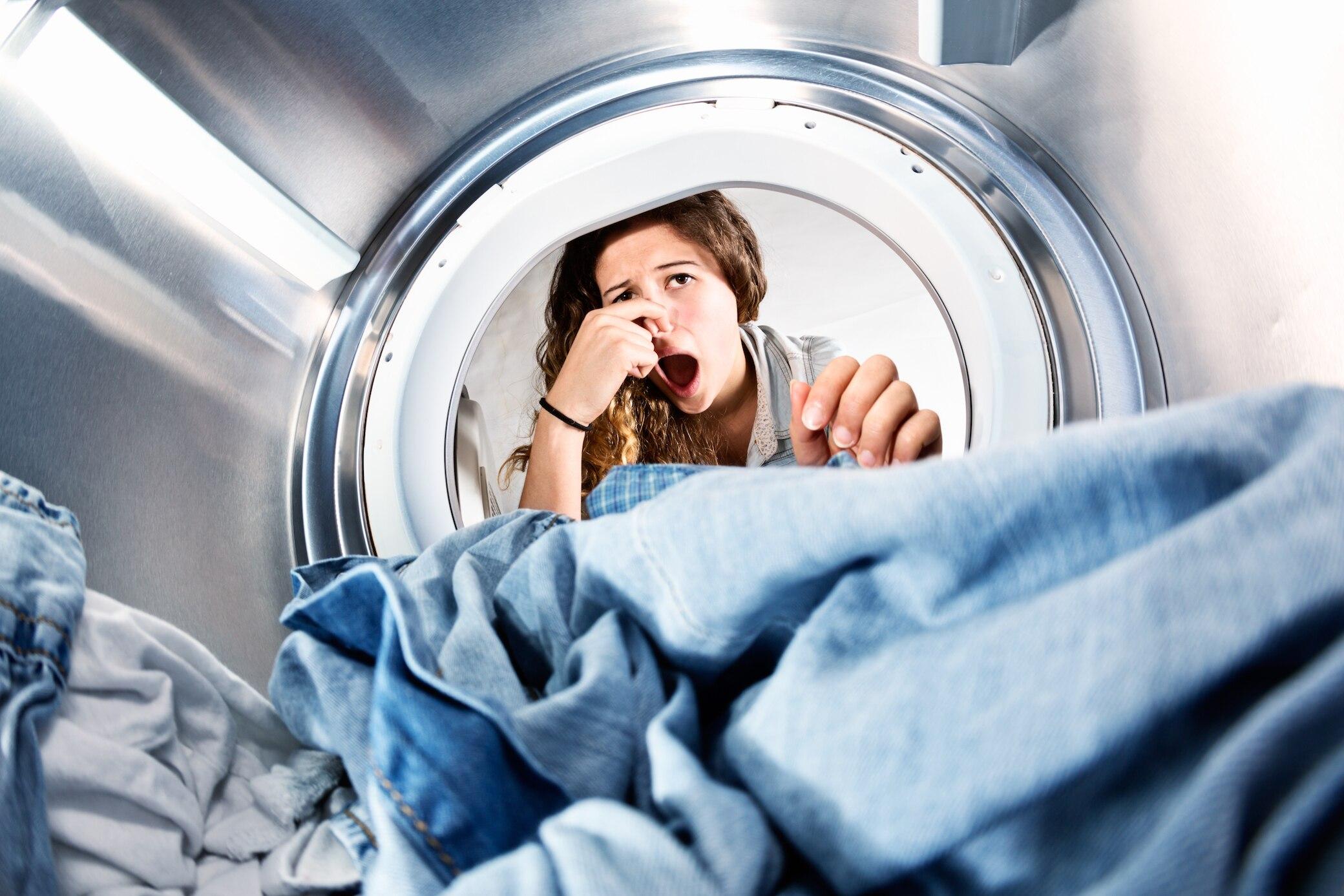 Beliebt Waschmaschine stinkt? So wird man lästige Gerüche los | STYLEBOOK AW65
