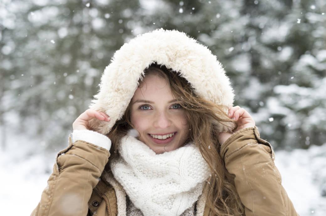 Frau in Wintermantel
