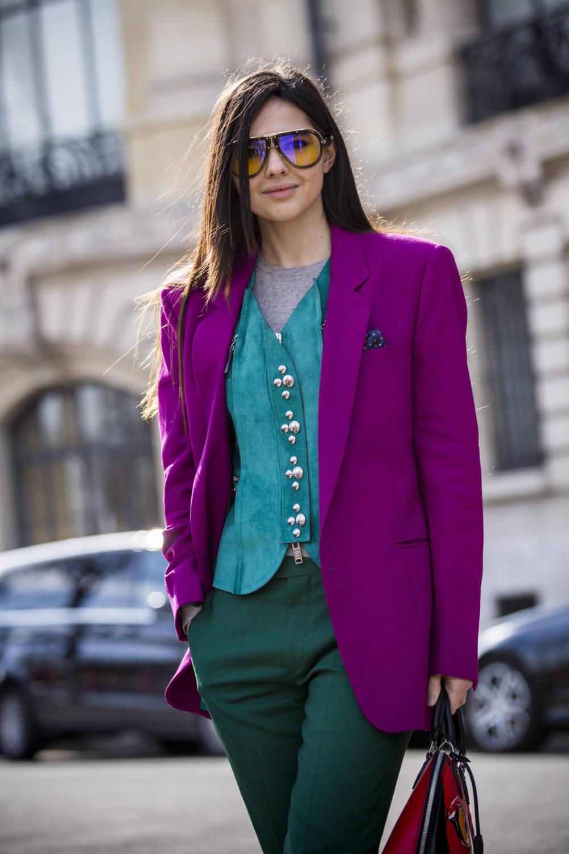 Street Style Frau mit Weste