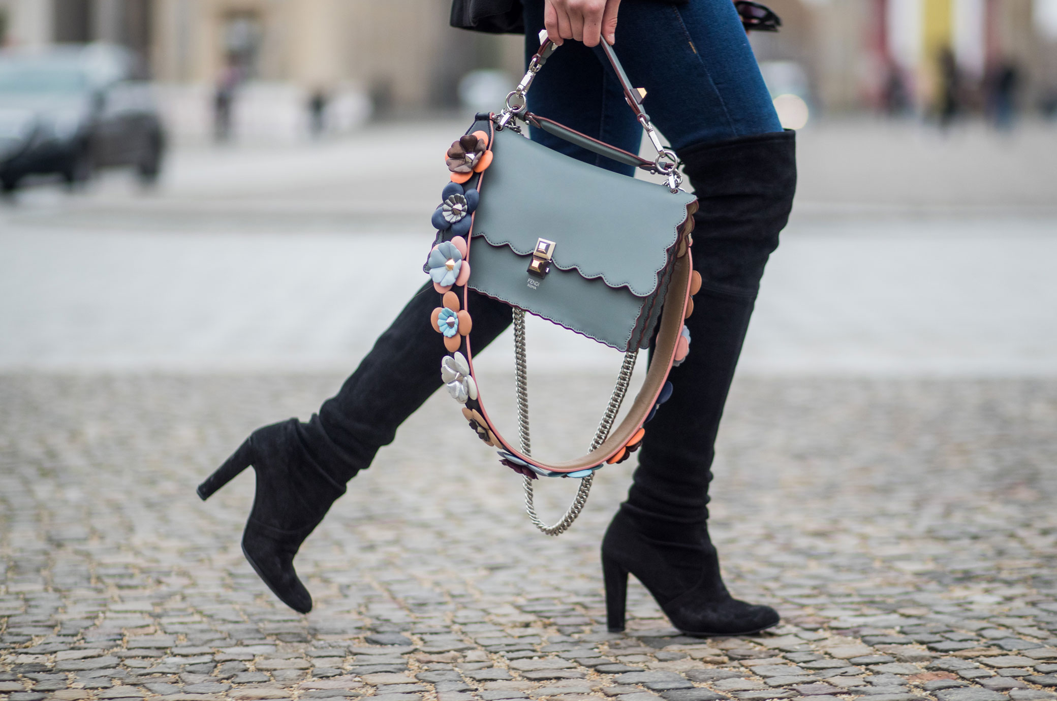10 Regeln Wie Frauen Overknee Stiefel Richtig Kombinieren
