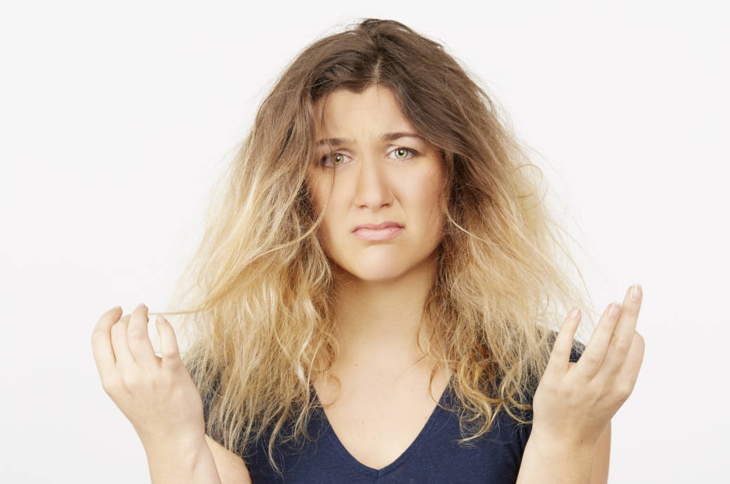 Frau mit kaputten Haare