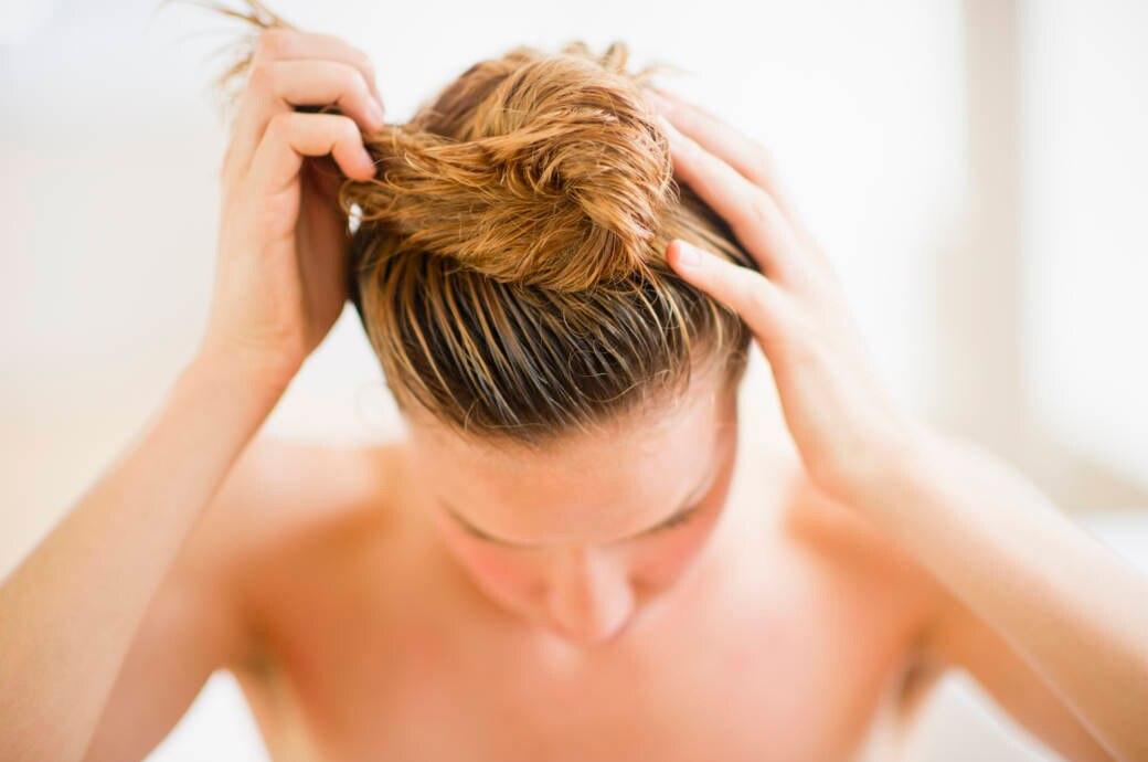 Was hilft wirklich bei trockener Kopfhaut?