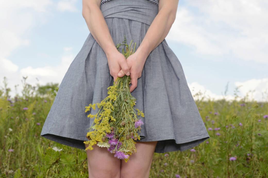 Super 4 Tricks, wie Sie Blütenstaub aus Kleidung entfernen | STYLEBOOK TZ41