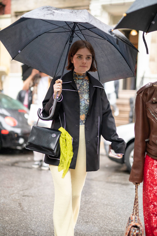 Regenjacke im Blazer-Stil
