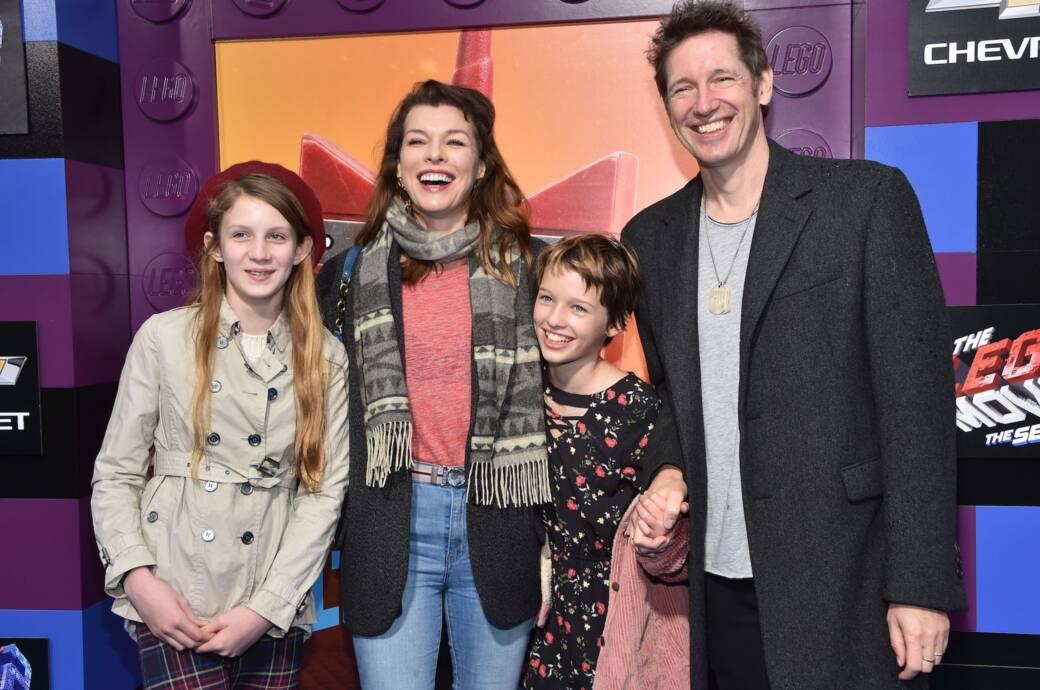 Milla Jovovich mit Mann und Kindern