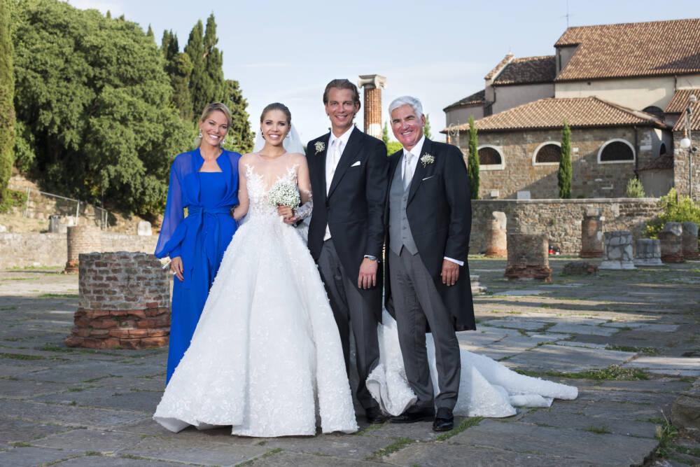 Hochzeitsfeier: Victoria Swarovski und ihr Ehemann Werner Muerz, Alexandra Swarovski (l.) und ihr Partner Michael Heinritzi (r.)