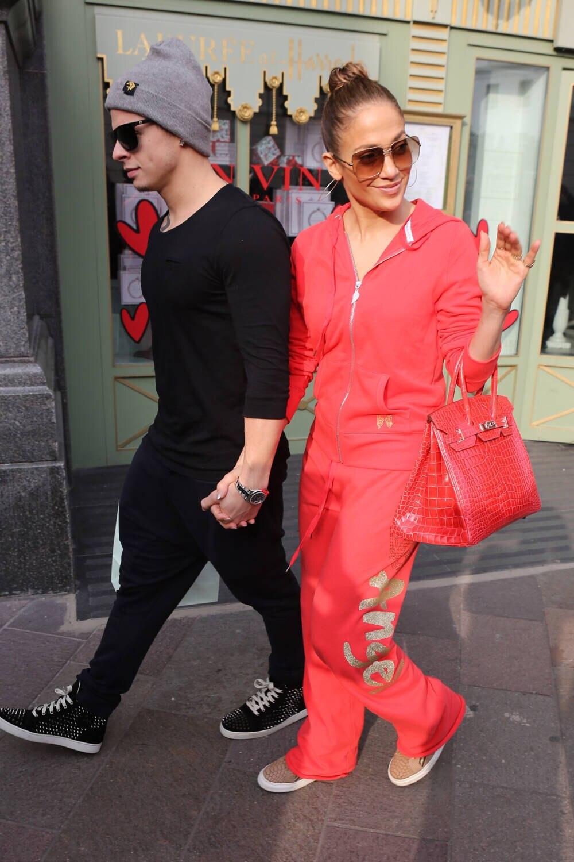 J.Lo im Tracksuit