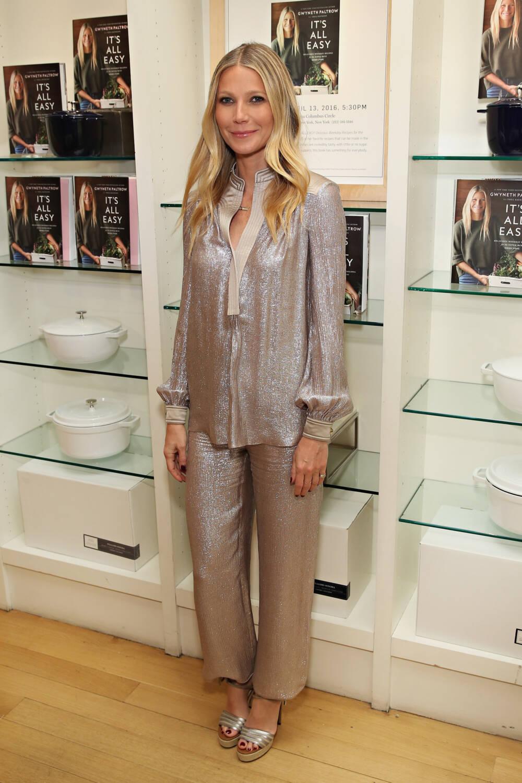 Gwyneth Paltrow im Glitzer-Pyjama