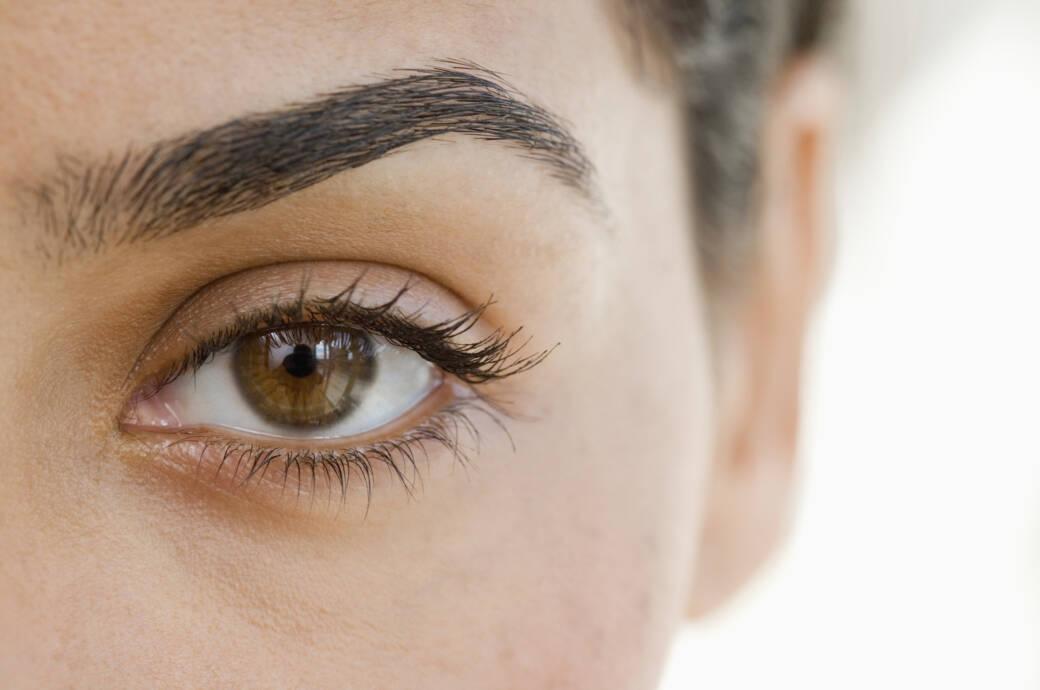 Augenbrauen einer Frau