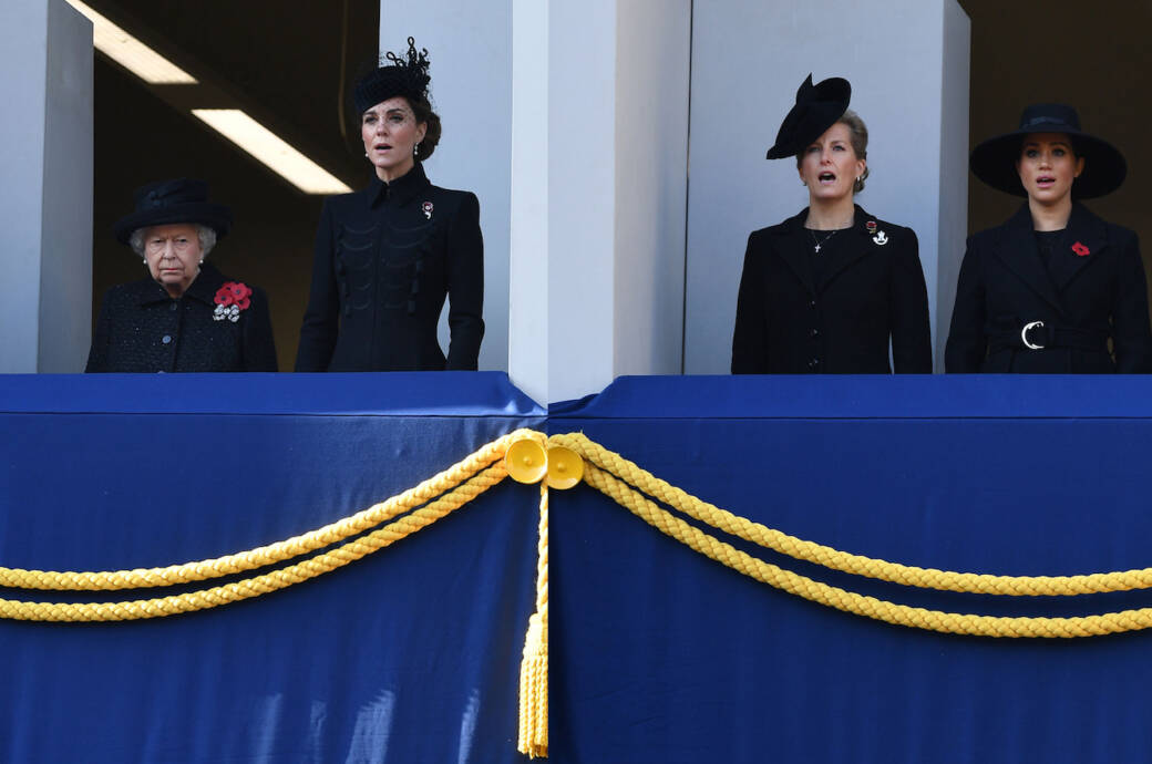 Remembrance Day in London: Royal Family auf den Balkonen