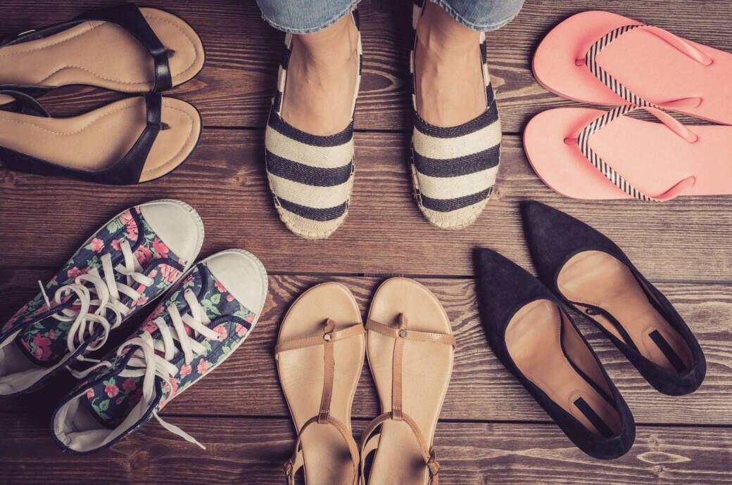 Wie flache Schuhe den Füßen schaden können | STYLEBOOK