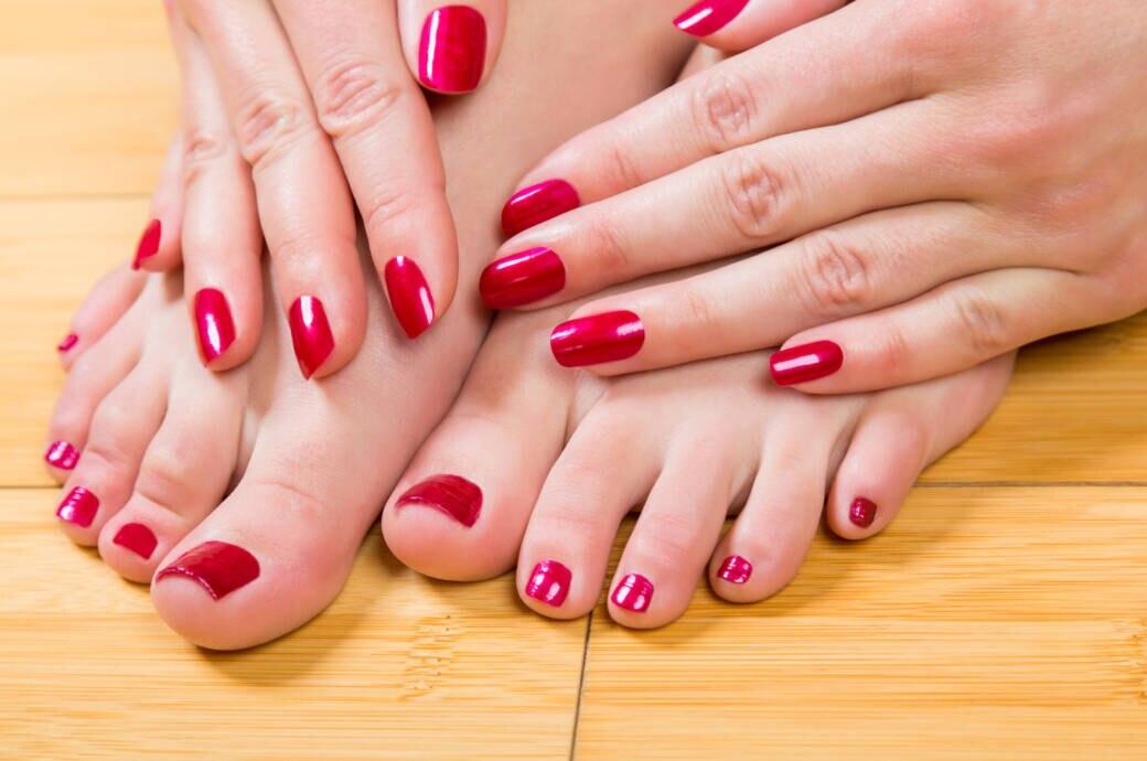 Muss der Nagellack auf Finger- und Fußnägeln zusammenpassen?