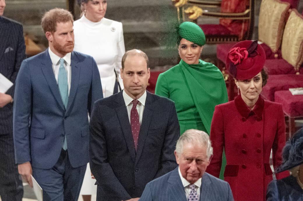 Harry und Meghan (hinten), William und Kate sowie Prinz Charles vorne
