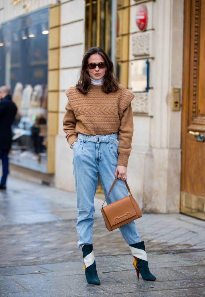 Frau mit Jeans