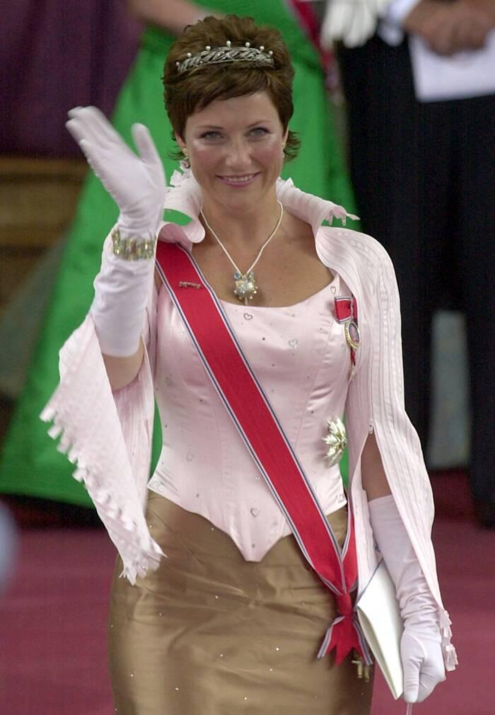 Märtha Louise bei der Hochzeit von Haakon und Mette Marit im Jahr 2001