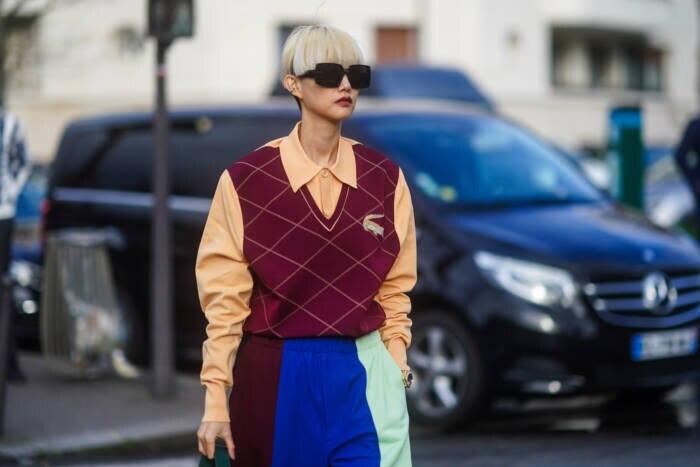 Frau in Pullover