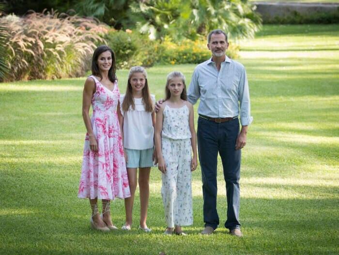 Familienbild im Sommer 2019: Letizia und Felipe mit ihren Töchtern Leonor und Sofía