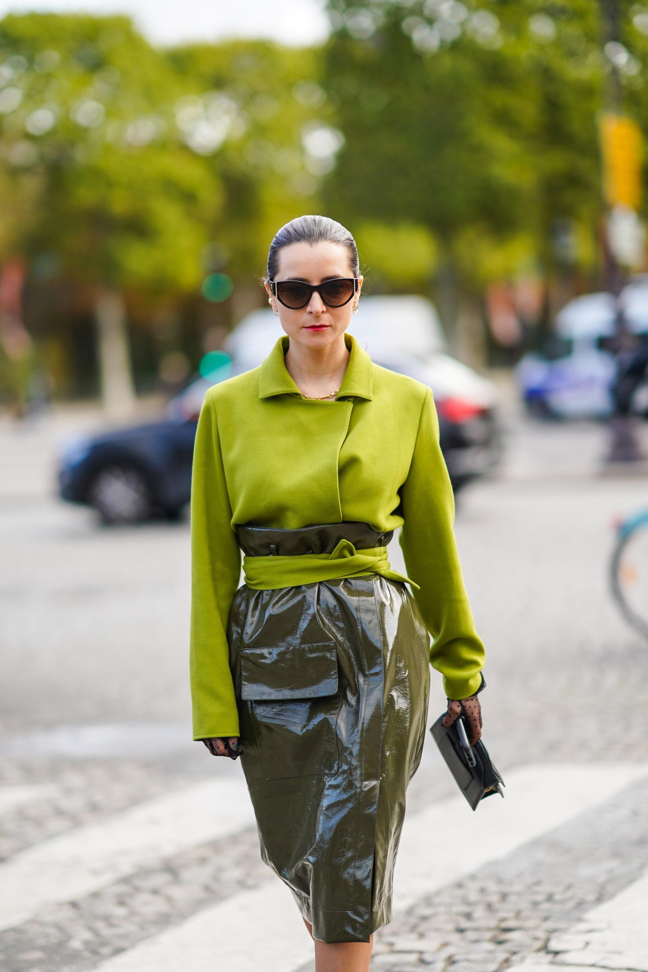 businesslooks für frauen im büro – von sneaker bis blazer