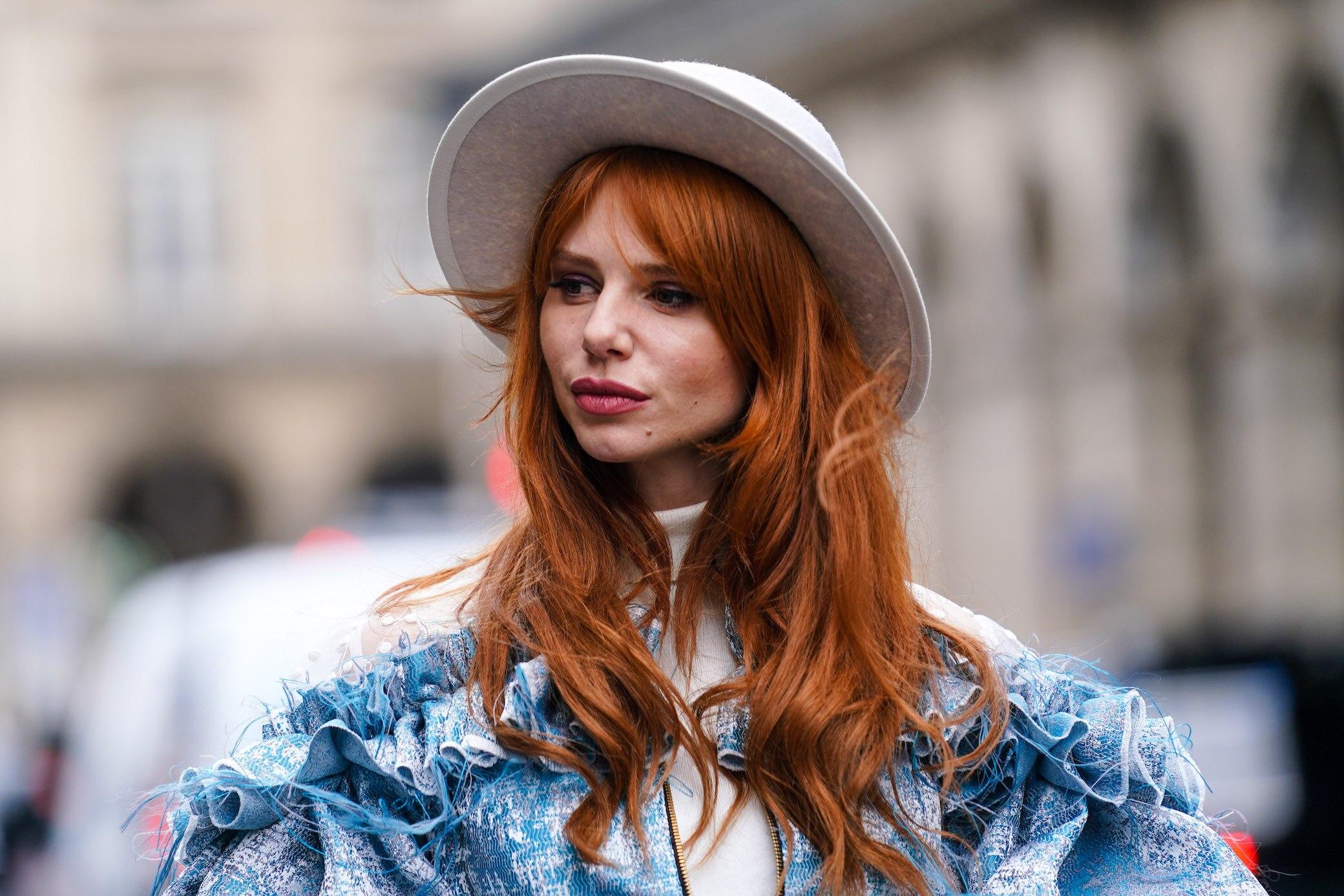 Haare blaue augen färben rote Mutter hat