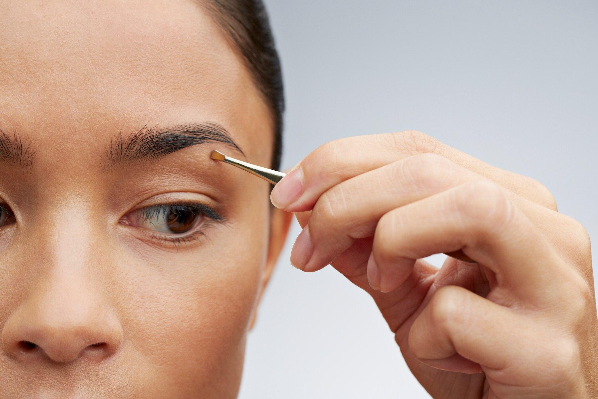 Augenbrauen-zupfen-Wimpern-kleben-Gebogen-rund-spitz-welche-Pinzette-eignet-sich-wof-r-