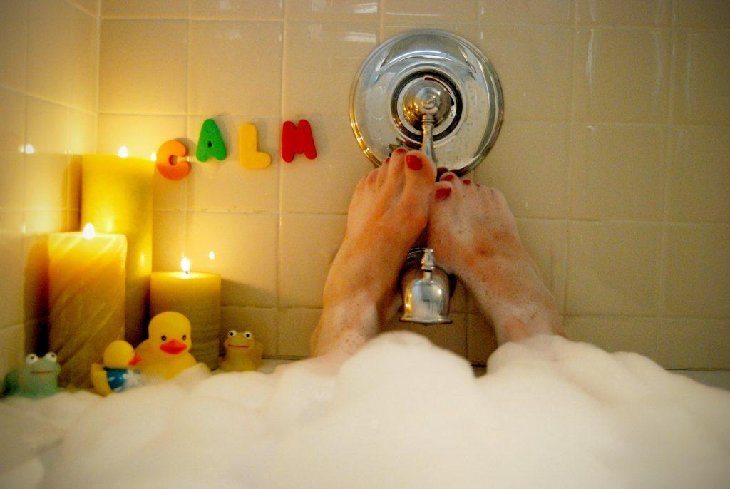 Beauty-Wissen-Warum-sch-umen-Shampoos-Duschgels-und-Badezus-tze-eigentlich-